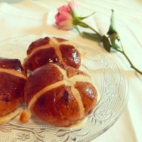 A very British Easter recipe - Hot Cross Buns